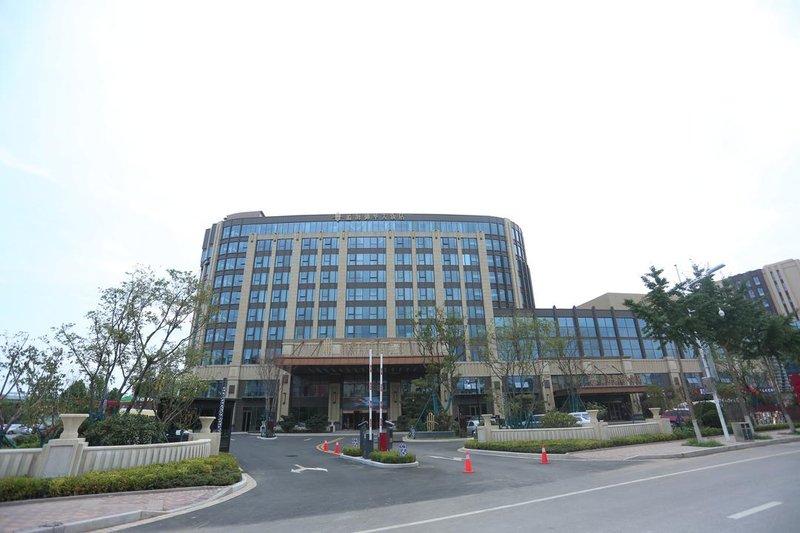 青岛蓝海御华大饭店(青岛流亭机场店)酒店外观